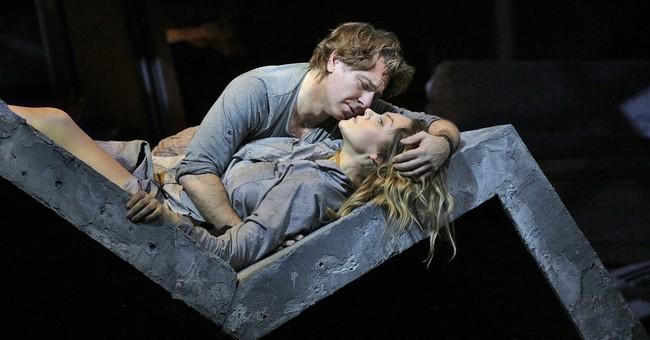Roberto Alagna steps in to rescue Puccini