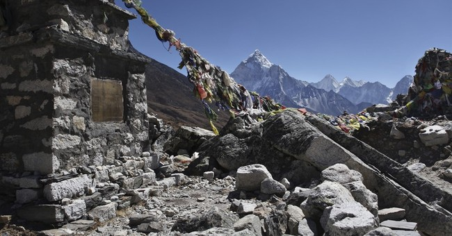 Nepal says Everest climbers stopped by quake can try again