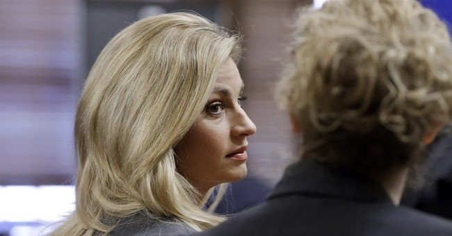 Witnesses defend hotel, question sportscaster Andrews' pain