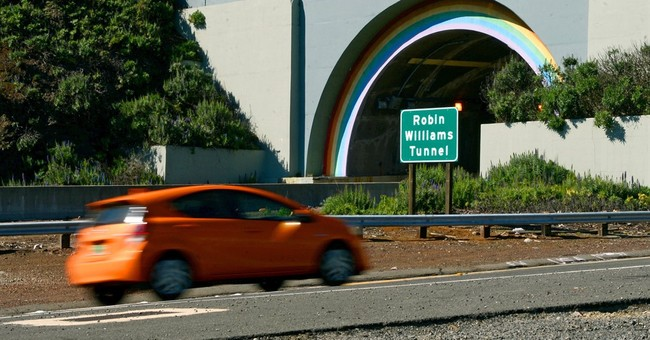 New signs for Robin Williams Tunnel installed in California