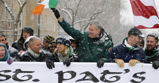 NY mayor to march in St. Pat's parade after gay ban dropped