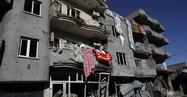 Residents return to Turkish town of Cizre, find it destroyed