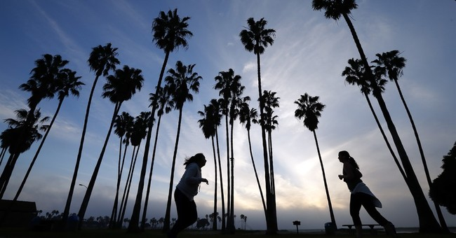 El Nino leaves much of drought-stricken California in dust