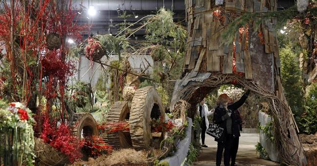 Flower show touts US parks, bringing great outdoors inside