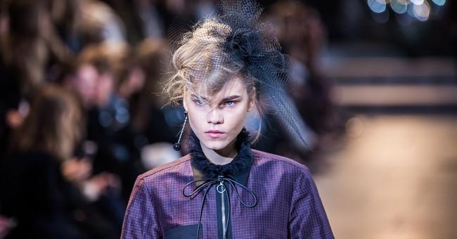 Alba, Pike bring star power to Christian Dior's Paris show