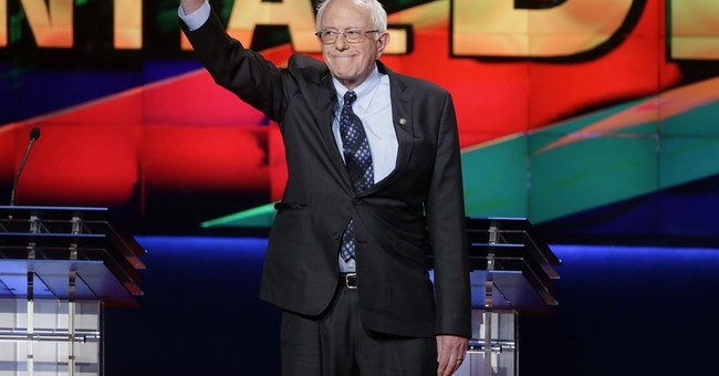 Clinton, Sanders tangle on economy in Democratic debate