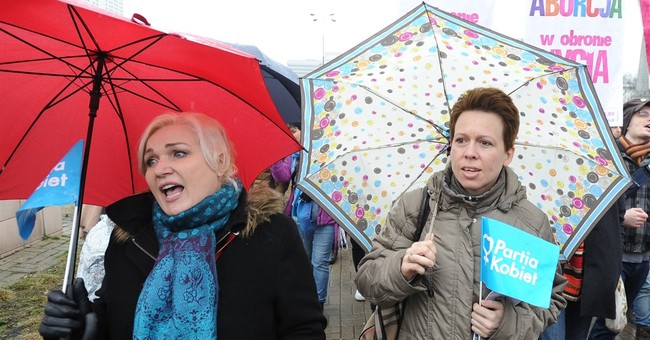 Women march in Warsaw for greater accessibility to abortion