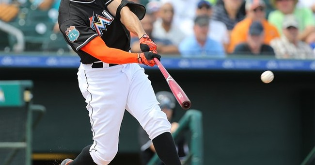 Marlins' Giancarlo Stanton sidelined by knee soreness