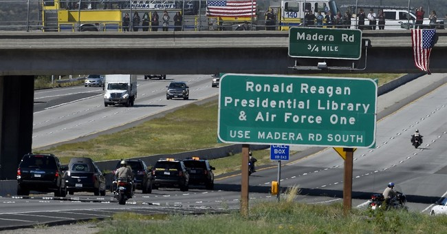 The Latest: Photographer of Nancy Reagan motorcade arrested