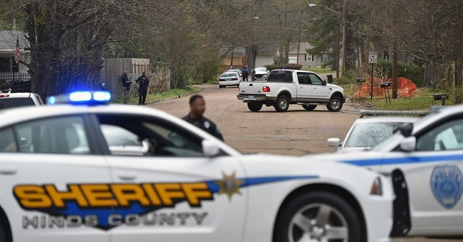 Mississippi officer grazed by bullet while on robbery call