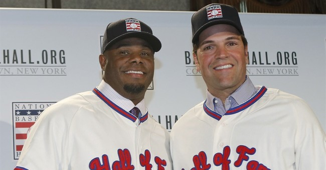 Griffey Jr goes to Hall with Mariners cap; Piazza with Mets