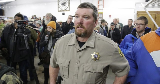 The Latest: Oregon Sheriff meets leader of armed group