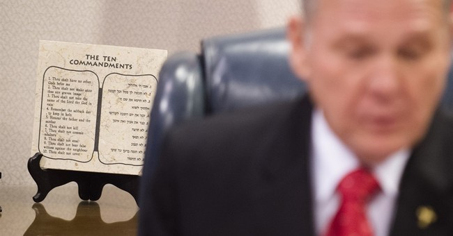 Alabama county resumes issuing gay-marriage licenses
