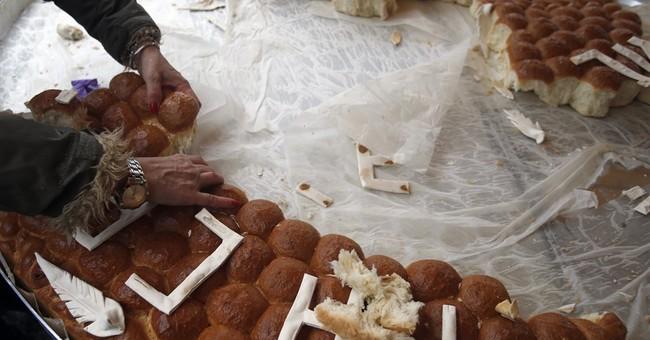 Orthodox faithful mark Christmas with services, celebration