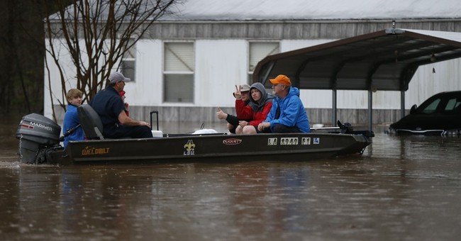 The Latest: Red Cross sets up shelter Bossier Civic Center
