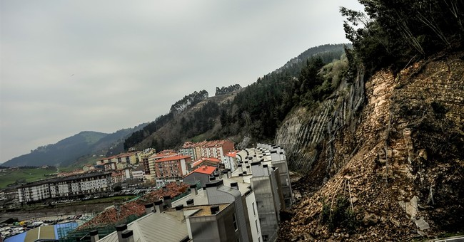 Rockslide in northern Spain forces 180 to evacuate homes