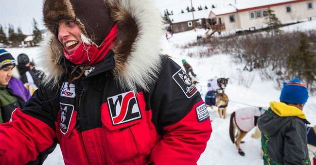 After crash, competitors press toward Iditarod finish line