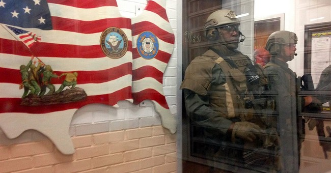 Alabama governor visits prison that has seen recent violence