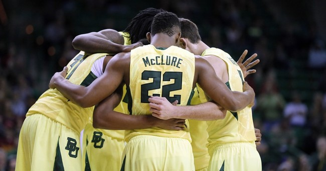 King's heart: Baylor freshman playing with defibrillator