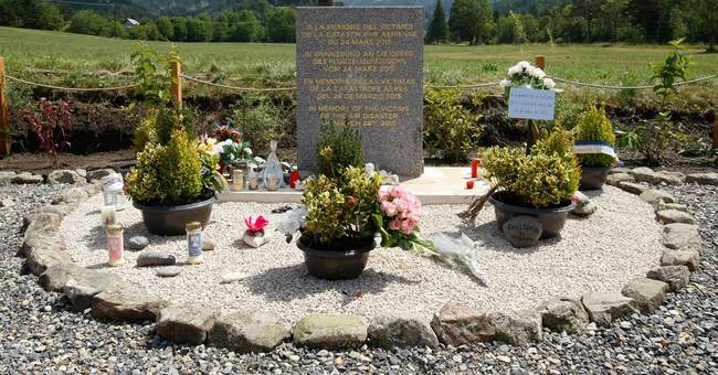 Did the US miss a chance to stop suicidal German pilot?