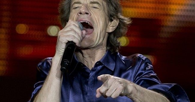 Jagger jokes about Penn-Chapo story as Stones rock Mexico