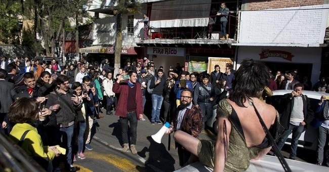 Mexicans using social media to shame bad behavior in public