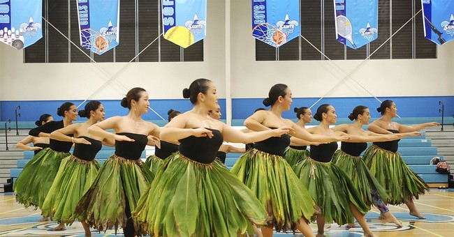 Hula competitors avoid iconic flower because of fungus
