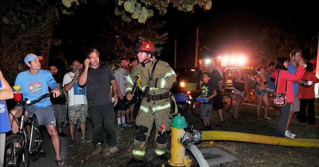 Crews battle major fire at iconic Florida mansion
