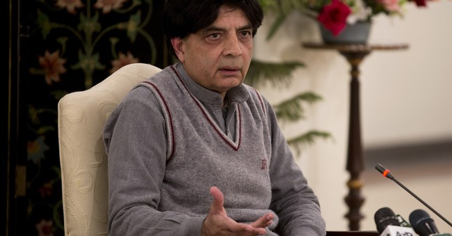 Former Pakistan military ruler, facing trial, heads to Dubai