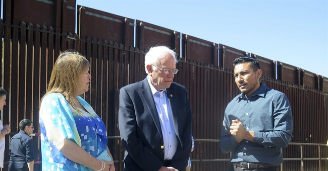 Sanders visits US-Mexico border, talks immigration reform