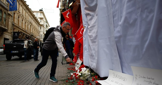 Istanbul bomber identified as militant with IS links