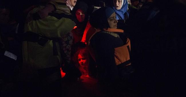 Migrants keep arriving in Greece despite deal to return them