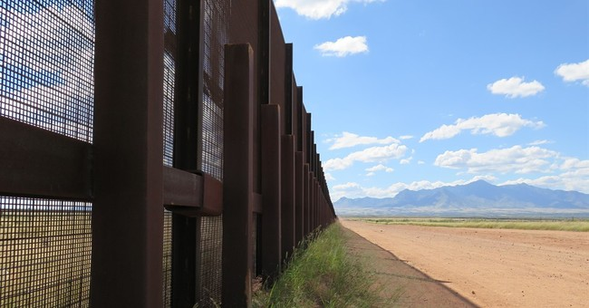 Donald Trump's wall plan draws mixed reactions on the border