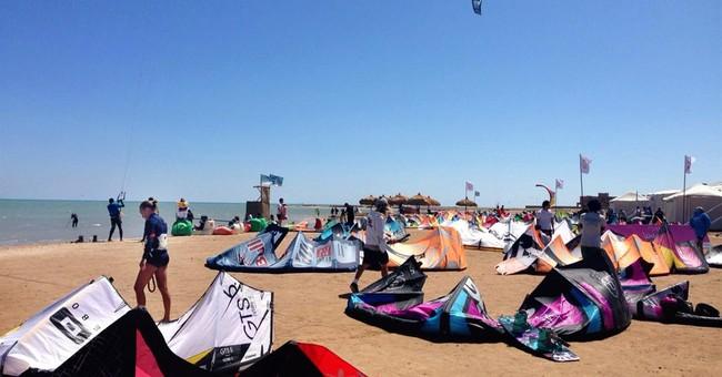 World kiteboarding championship kicks-off in Egypt's Red Sea