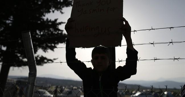Greece: Refugee protests at border, islands