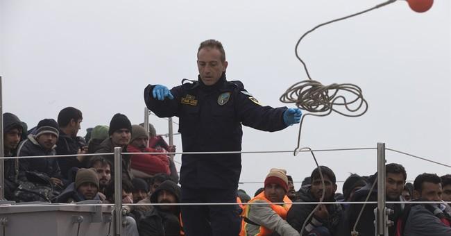 UN agency pulls out Greek refugee 'hotspots'