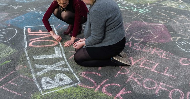 Pedestrian strip becomes canvas of support in Brussels