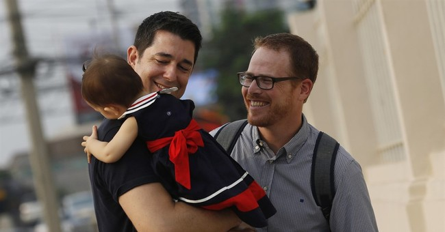 Gay parents fight for custody with surrogate in Thailand