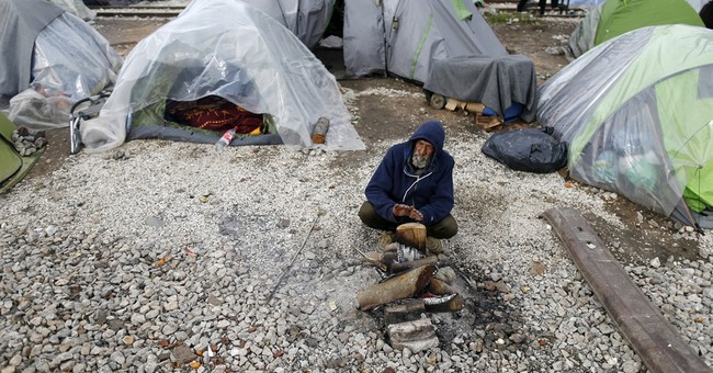 Greece: Aid workers protest deportations as delays mount