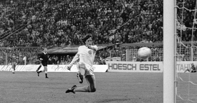 A look at how Dutch soccer great Cruyff changed football