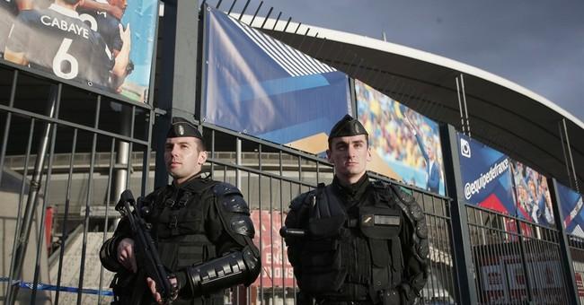 France soccer team returns to national stadium after attacks
