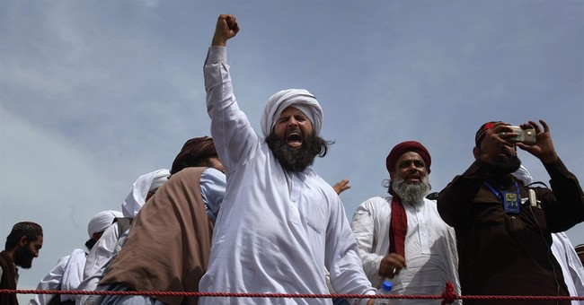Hundreds of Islamic extremists protest in Pakistan's capital