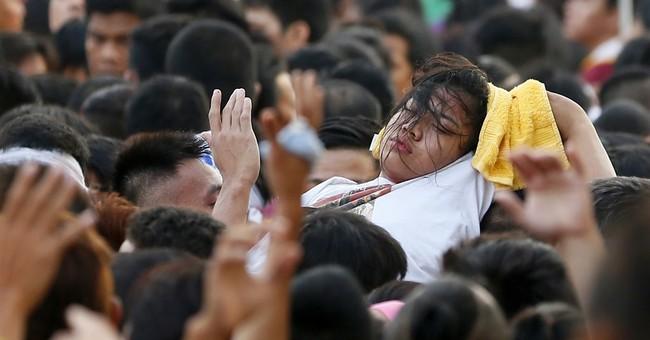 Huge Catholic parade held under heavy security in Manila