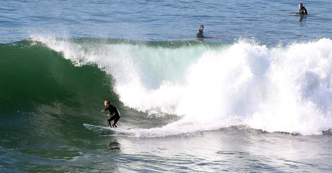 Lawsuit alleges surfers attack outsiders at California bay