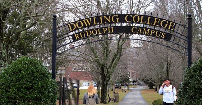 Growing number of small colleges struggling to stay afloat