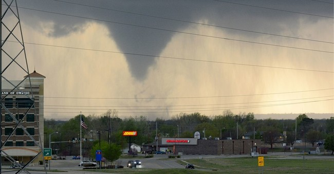 After 7 hurt in Oklahoma tornado, stormy weather slams South
