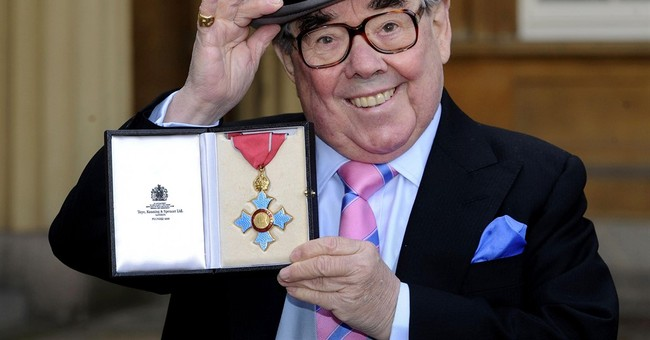 Ronnie Corbett, half of comedy's 'Two Ronnies,' dies at 85