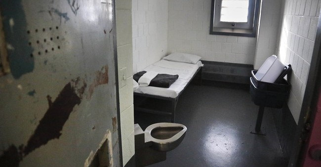 Judge OKs sweeping plan to reduce NY solitary confinement