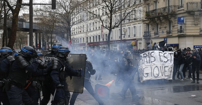 Thousands take to streets in France to protest labor reform