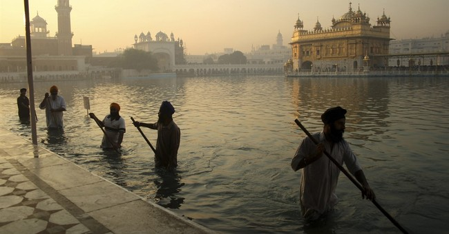 India's once-gleaming Golden Temple dulled by air pollution